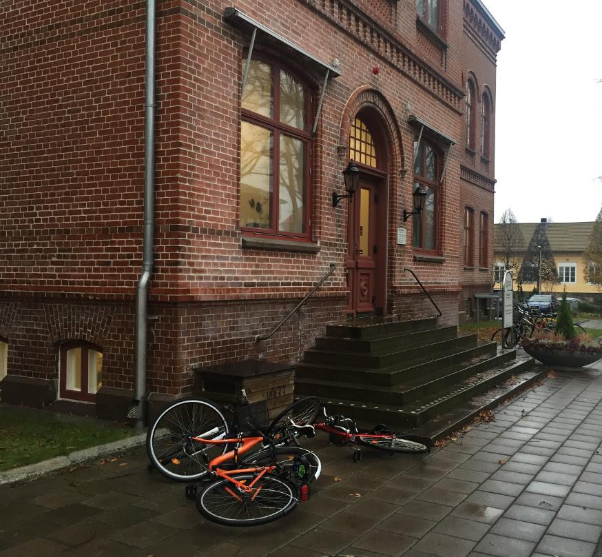 Hamn och gatuförvaltningens kontor.